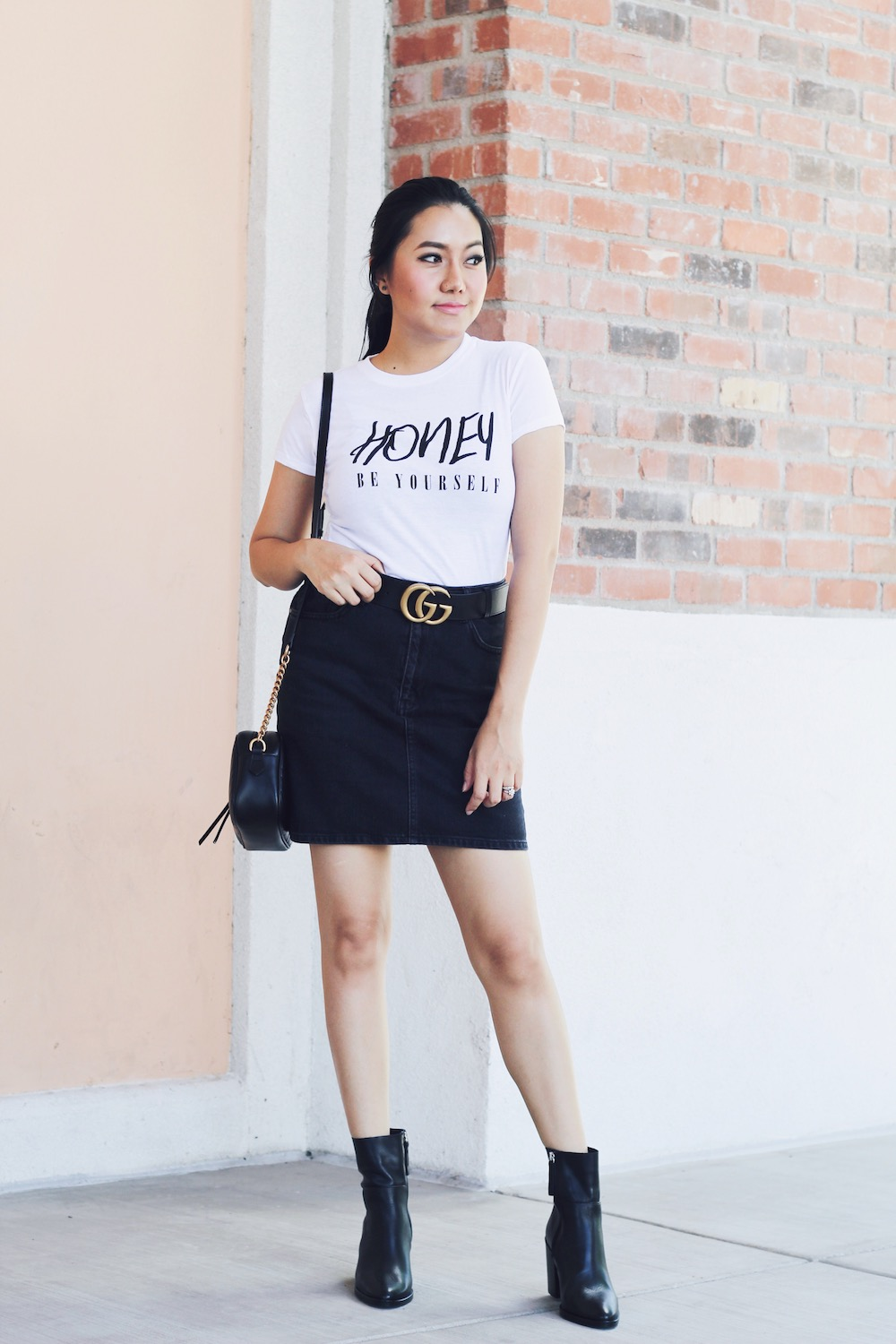 Cheap-Slogan-Women-Graphic-Tee-Black-and-Gold-Honey-Be-Yourself